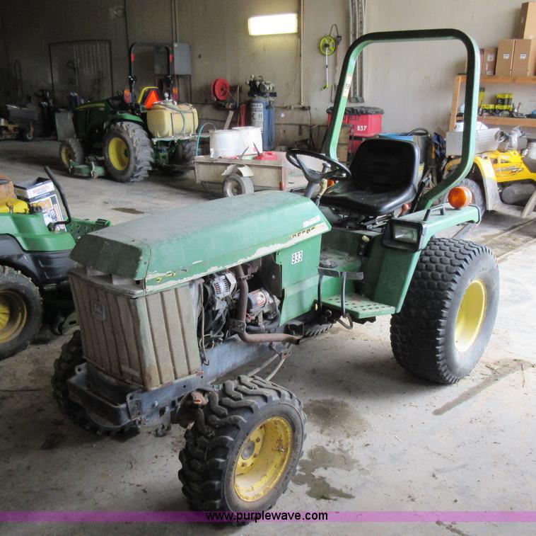 John Deere 855 MFWD tractor | Item AO9139 | SOLD! July 15 Ve