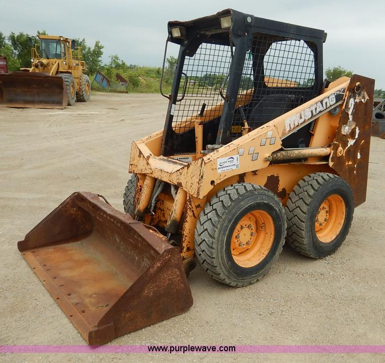 1996 Mustang 2040 skid steer | Item J3867 | SOLD! July 15 Ve