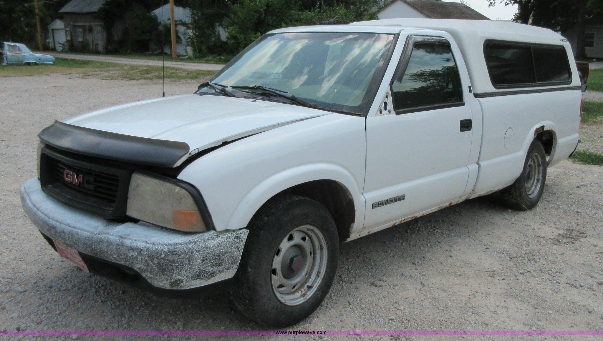 1998 gmc sonoma sl pickup truck in fredonia ks item i2102 sold purple wave 1998 gmc sonoma sl pickup truck in