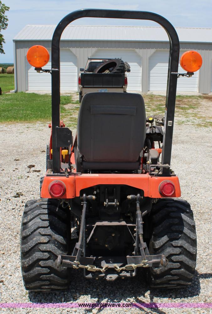 Agco Tractor Front Fenders : Agco st a mfwd tractor item j sold august
