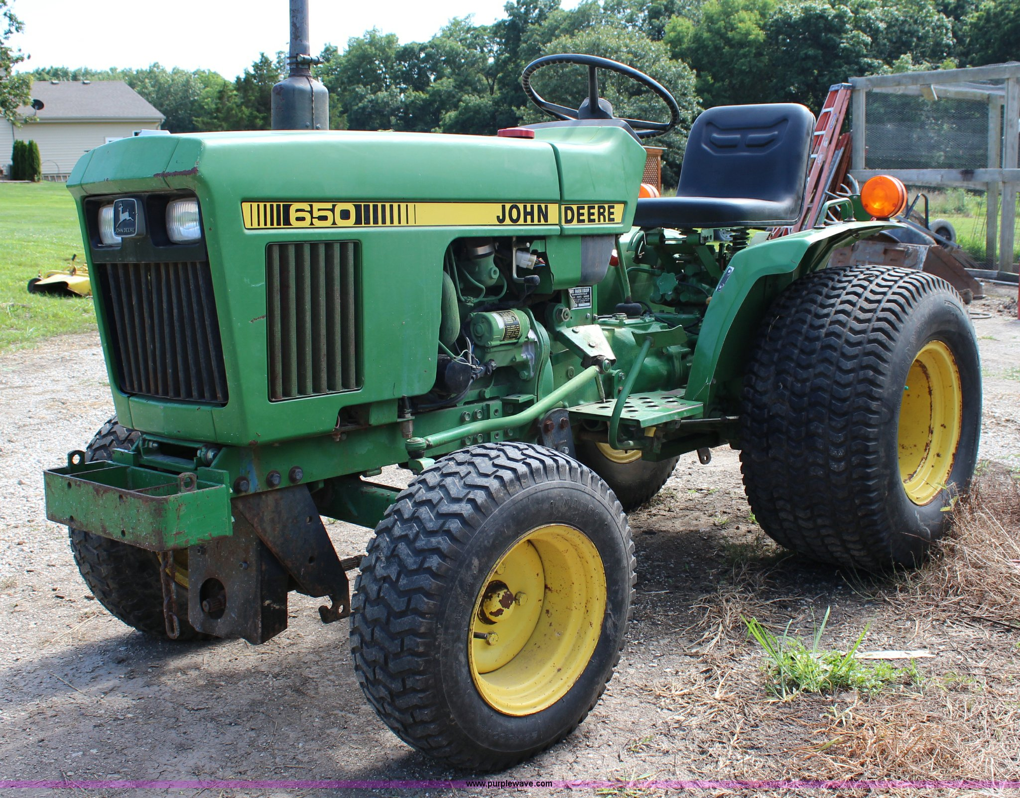 John Deere 650 >> John Deere 650 Utility Tractor Item J5891 Sold August 1