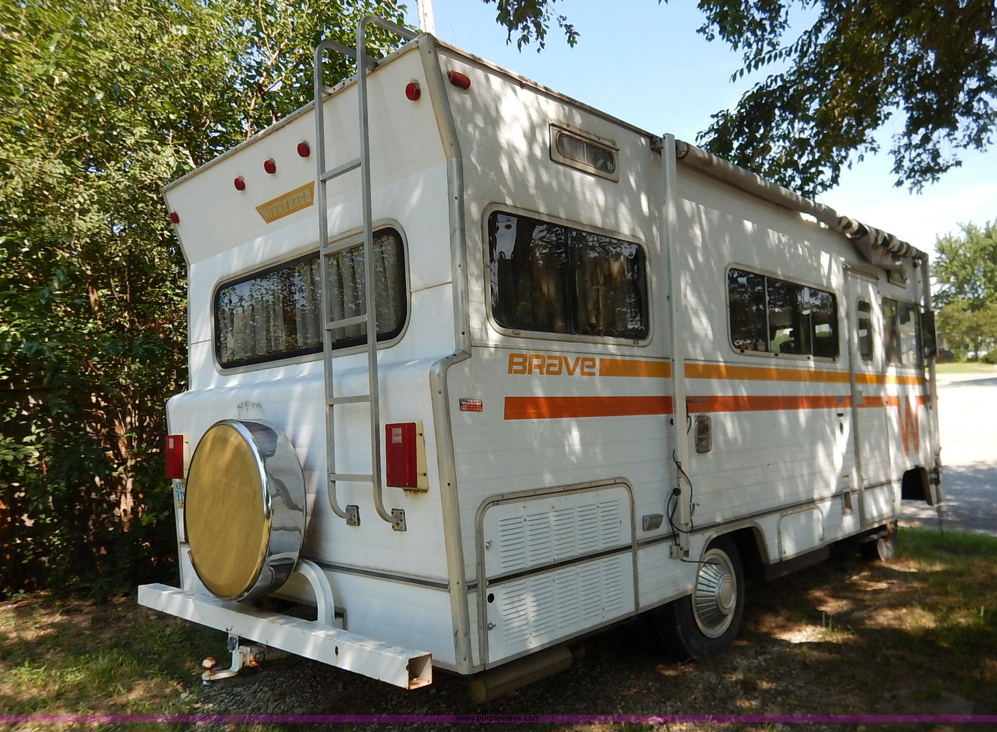 1974 Winnebago Brave RV | Item K1519 | SOLD! August 12 Vehic