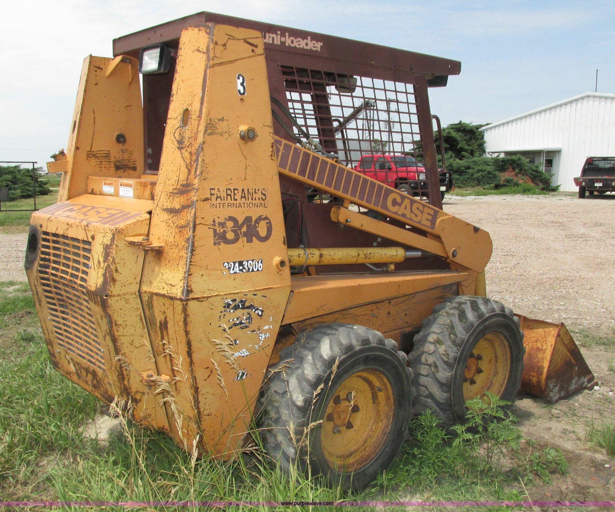 1993 Case 1840 skid steer | Item H4565 | SOLD! Thursday Augu
