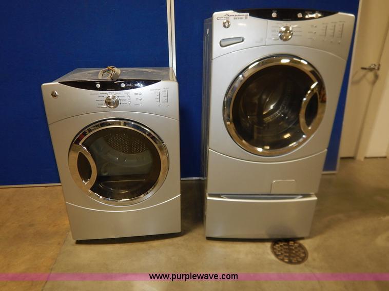 bm9484 image for item bm9484 ge front load washerdryer set