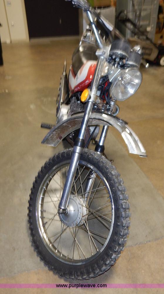 1972 Suzuki dirt bike | Item BO9761 | SOLD! August 25 Seized