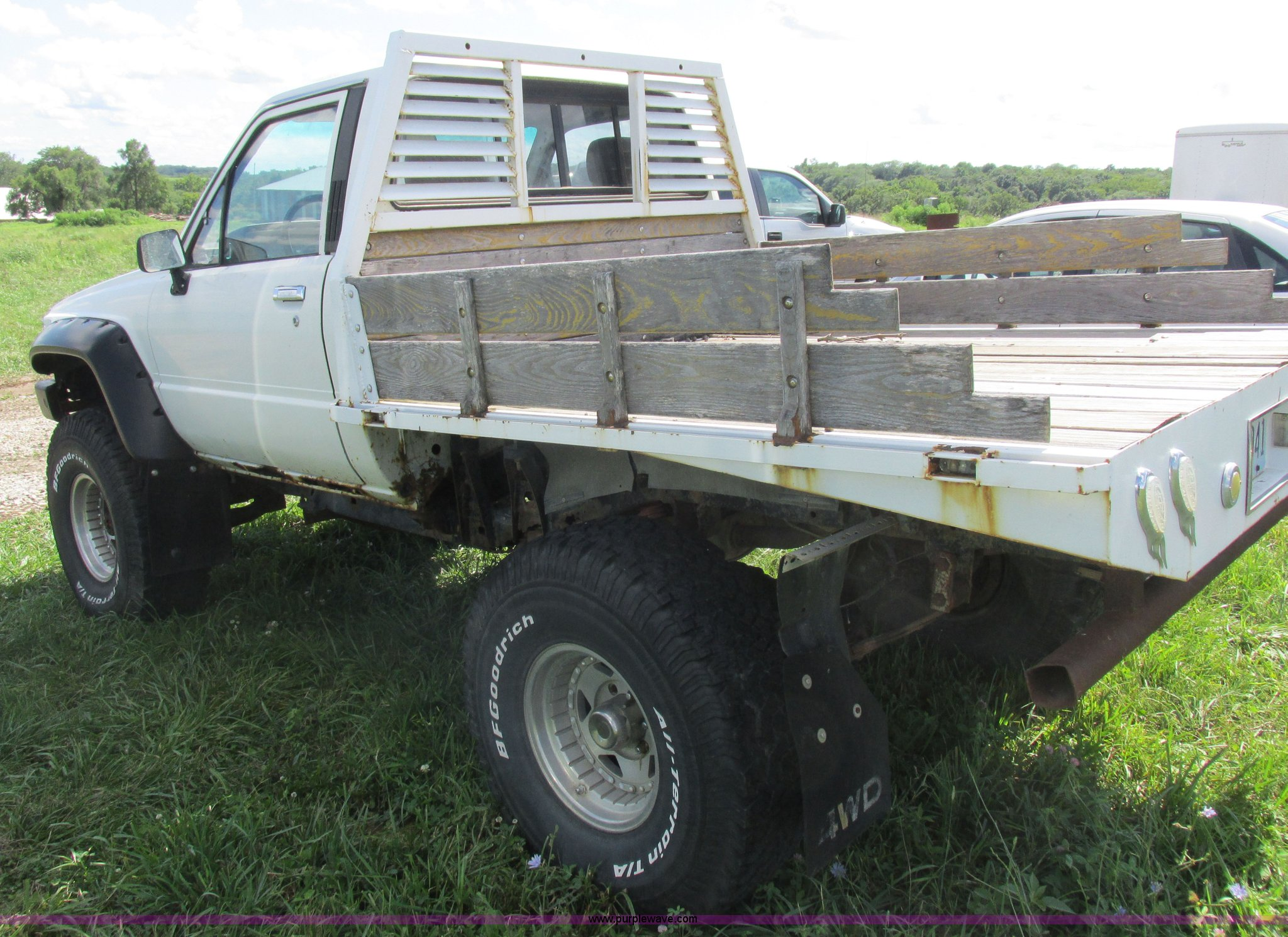 1988 Toyota Flatbed Pickup Truck In Gallatin Mo Item Z9576 Sold Purple Wave