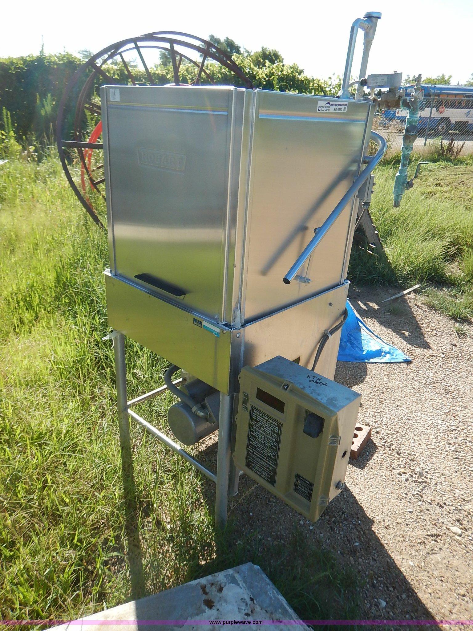 Hobart dishwasher and line unit | Item BO9832 | SOLD! Septem