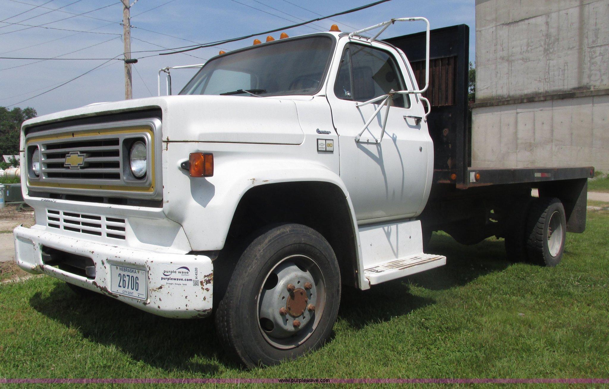 1989 Chevrolet C60 Custom Deluxe Dump Flatbed Truck Item