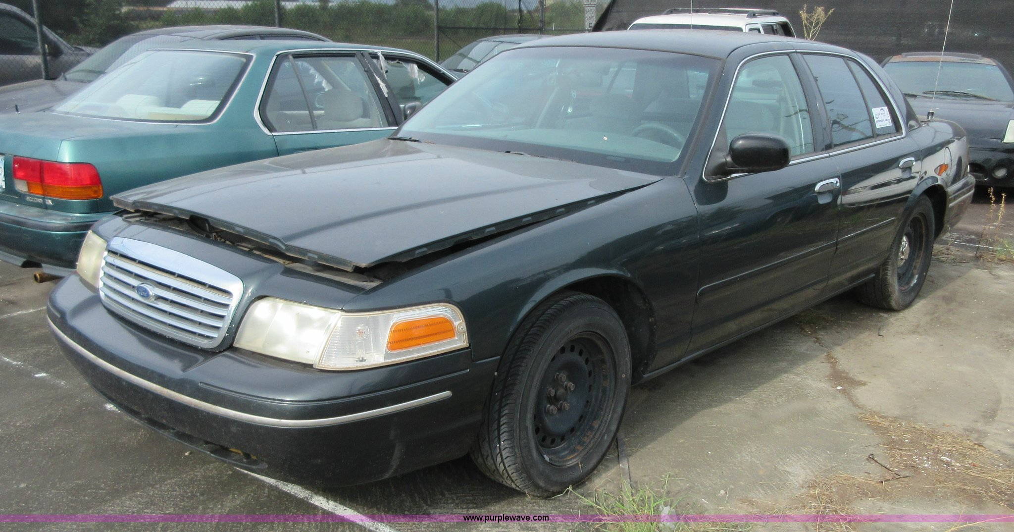 1998 crown vic tire size
