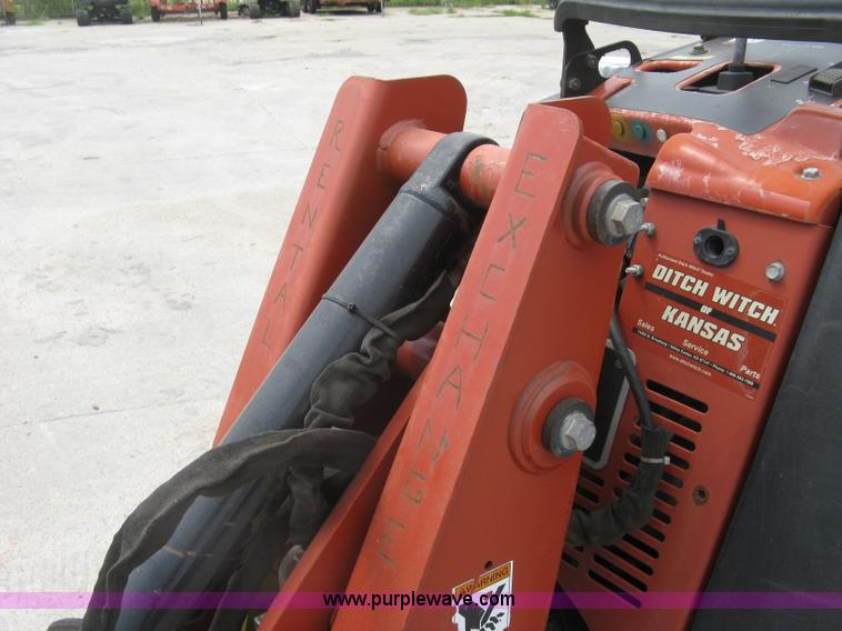 2008 Ditch Witch Zahn R300 compact utility loader | Item K87