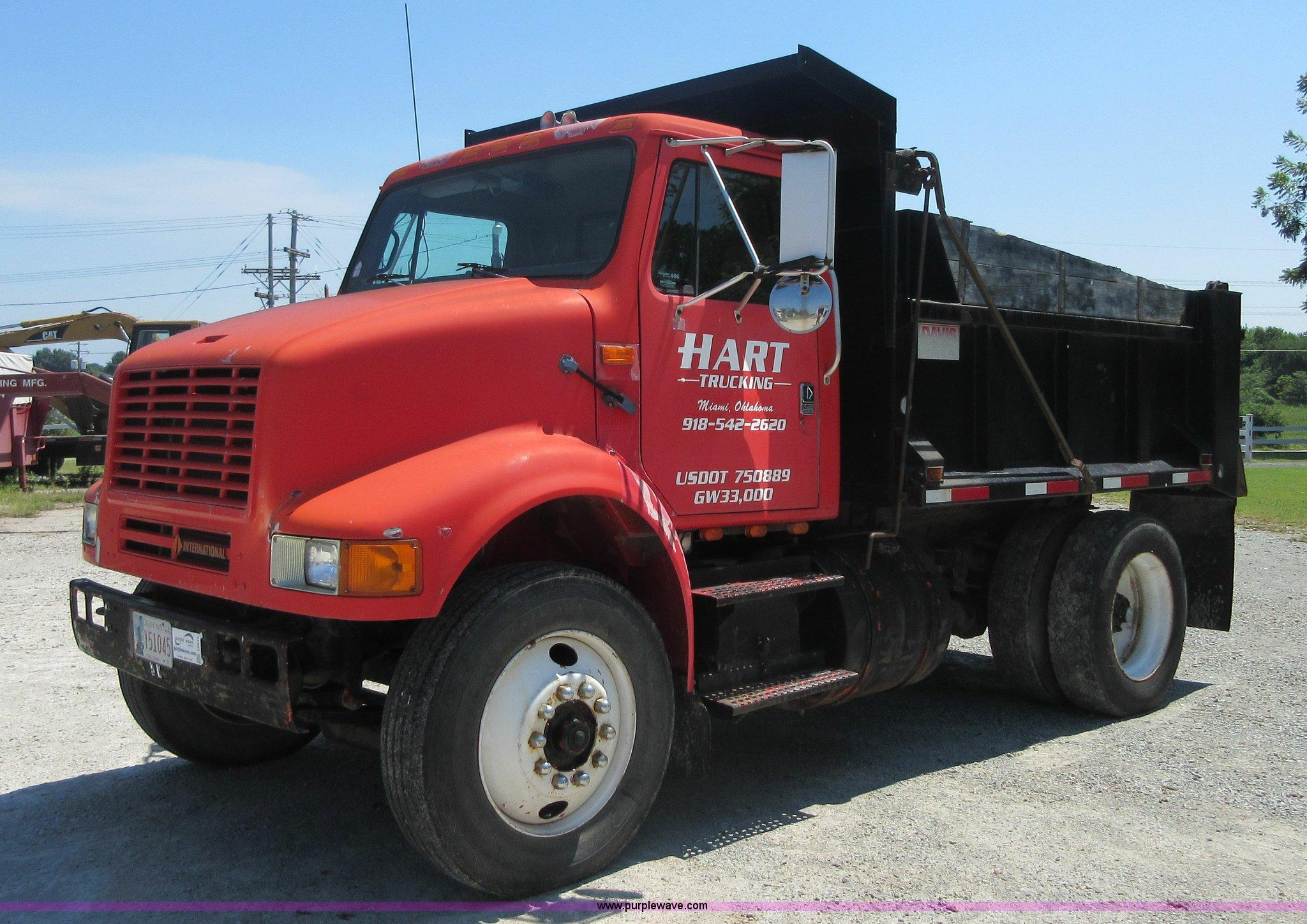 1991 International 7100 dump truck Item I2015