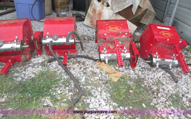 4) Gandy M902EM row applicators | Item AV9125 | SOLD! Septe