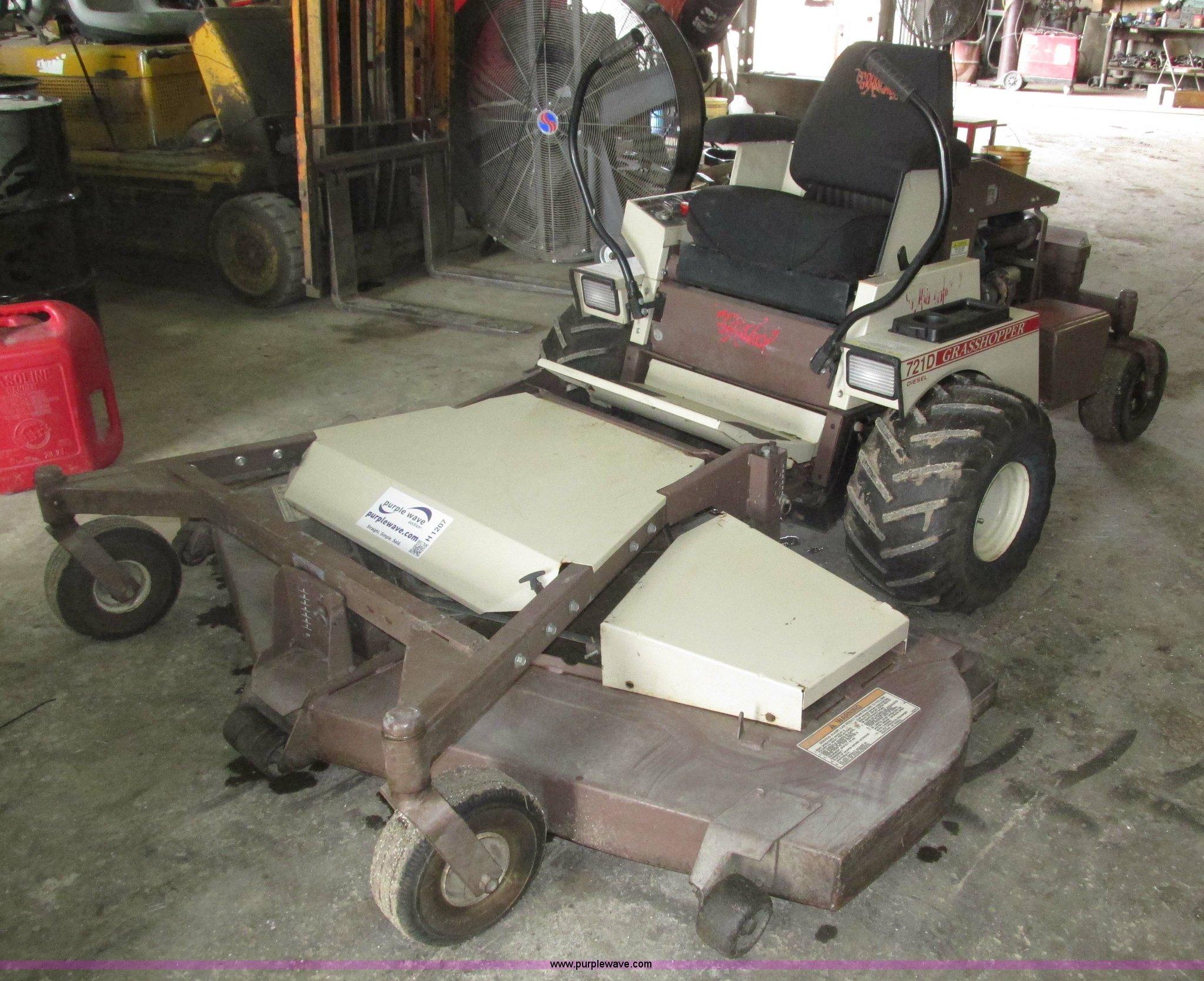 ... Grasshopper 721D ZTR lawn mower Full size in new window ...