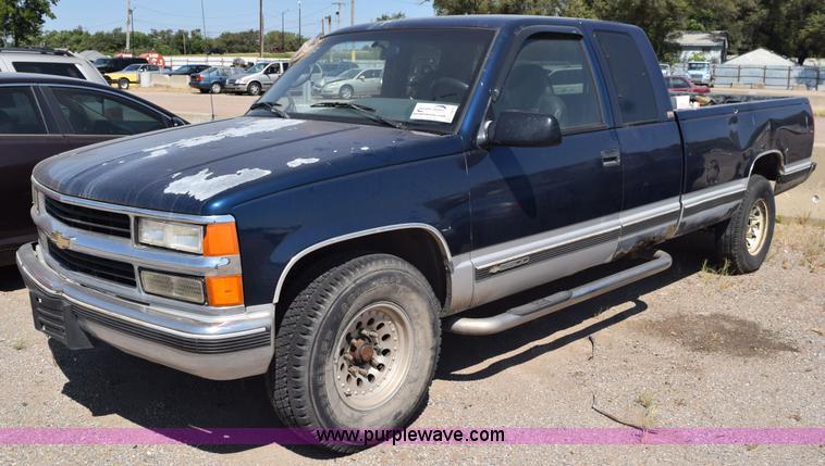 1995 Chevrolet Silverado 2500 Ext Cab Pickup Truck Item L