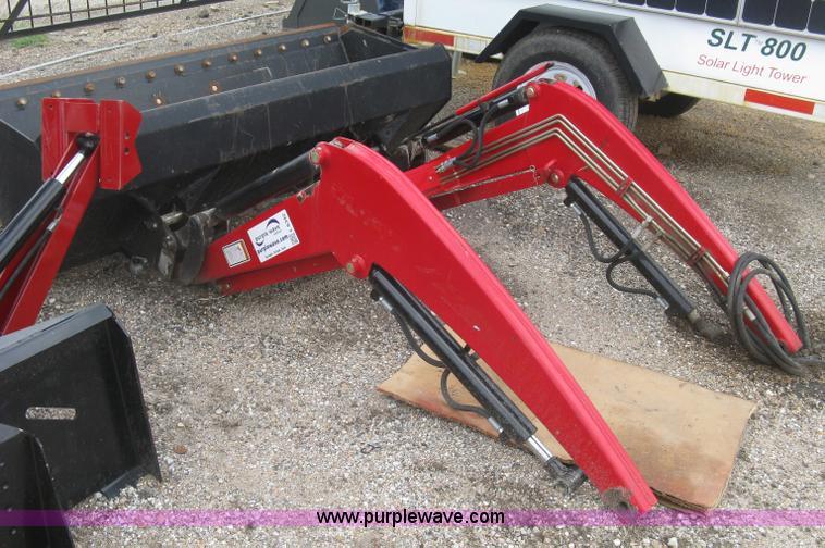 Massey-Ferguson DL120 compact front end loader | Item L6342