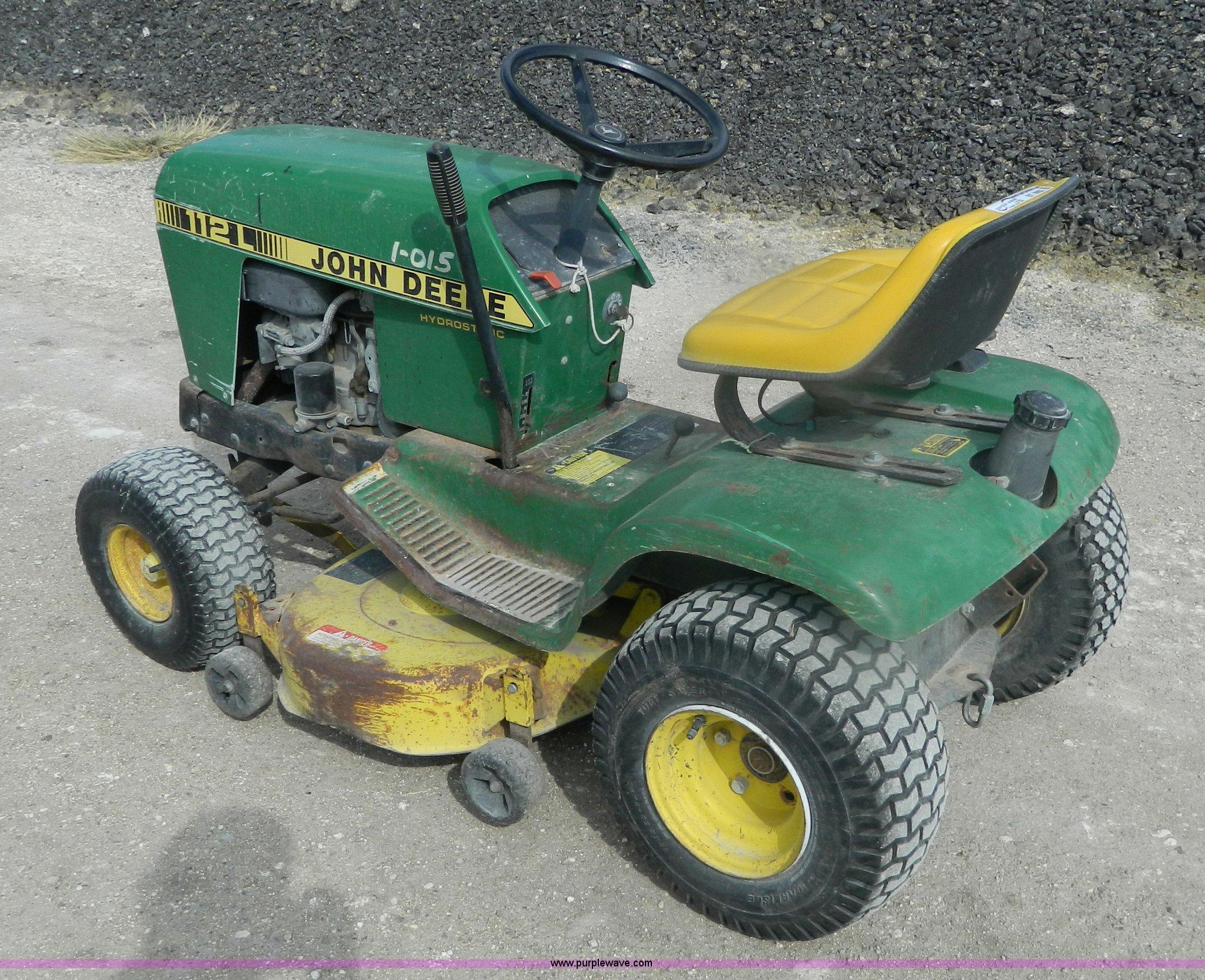 ... John Deere 112L lawn mower Full size in new window ...