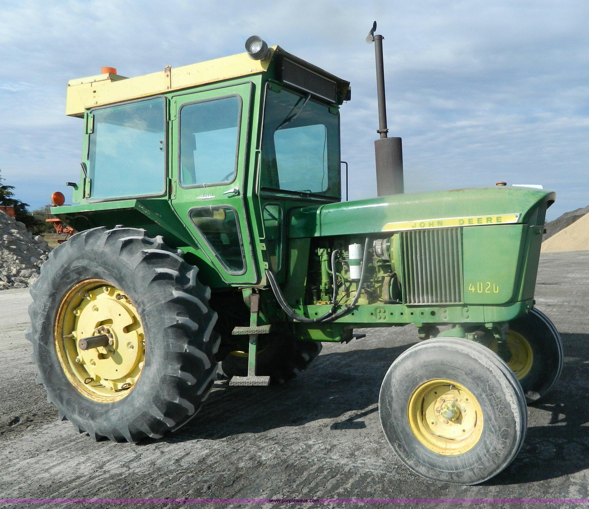 BT9916 image for item BT9916 1969 John Deere 4020 tractor