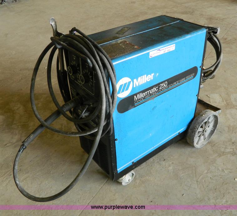Miller Miller Matic 250 CV-DC wire feed welder | Item BT9882...