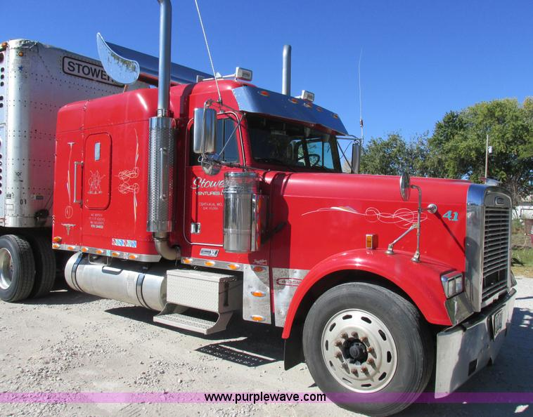 Truck And Trailer Auction In Emporia, Kansas By Purple