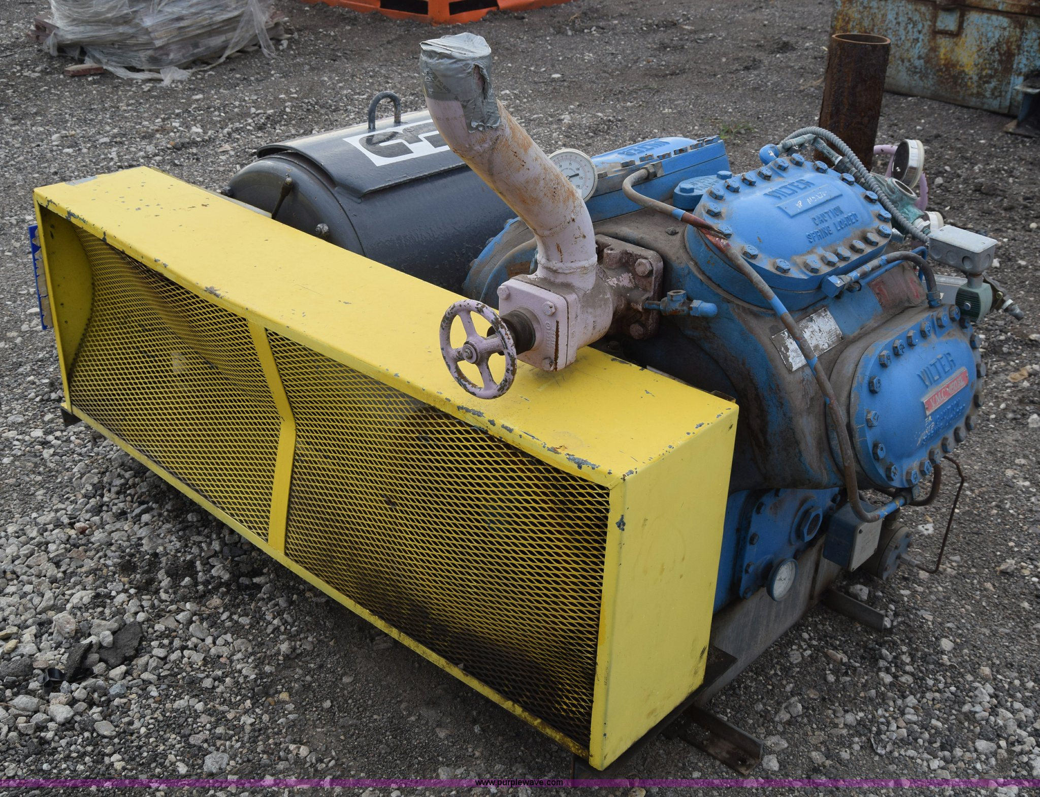 J7151 image for item J7151 Vilter VMC450 reciprocating compressor