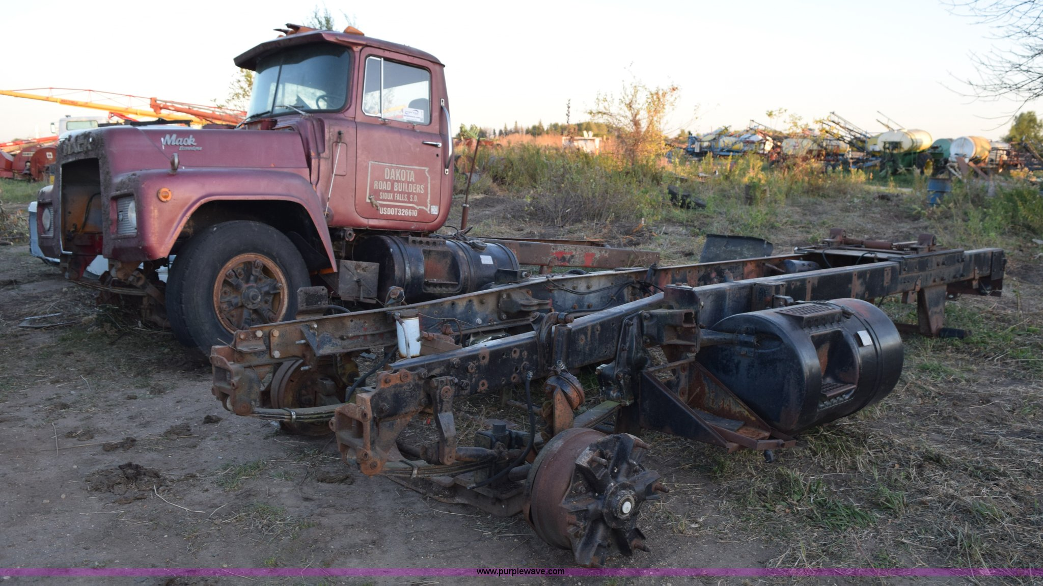 2) Mack R model truck chassis and frame parts | Item L5144 ...