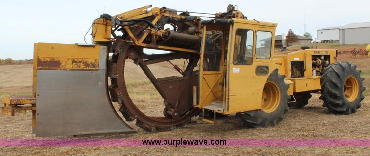2001 Buckeye 7200 Magnum drainage tile wheel trencher | Item