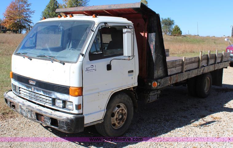 1991 Isuzu NPR dump truck | Item L2444 | SOLD! November 19 C