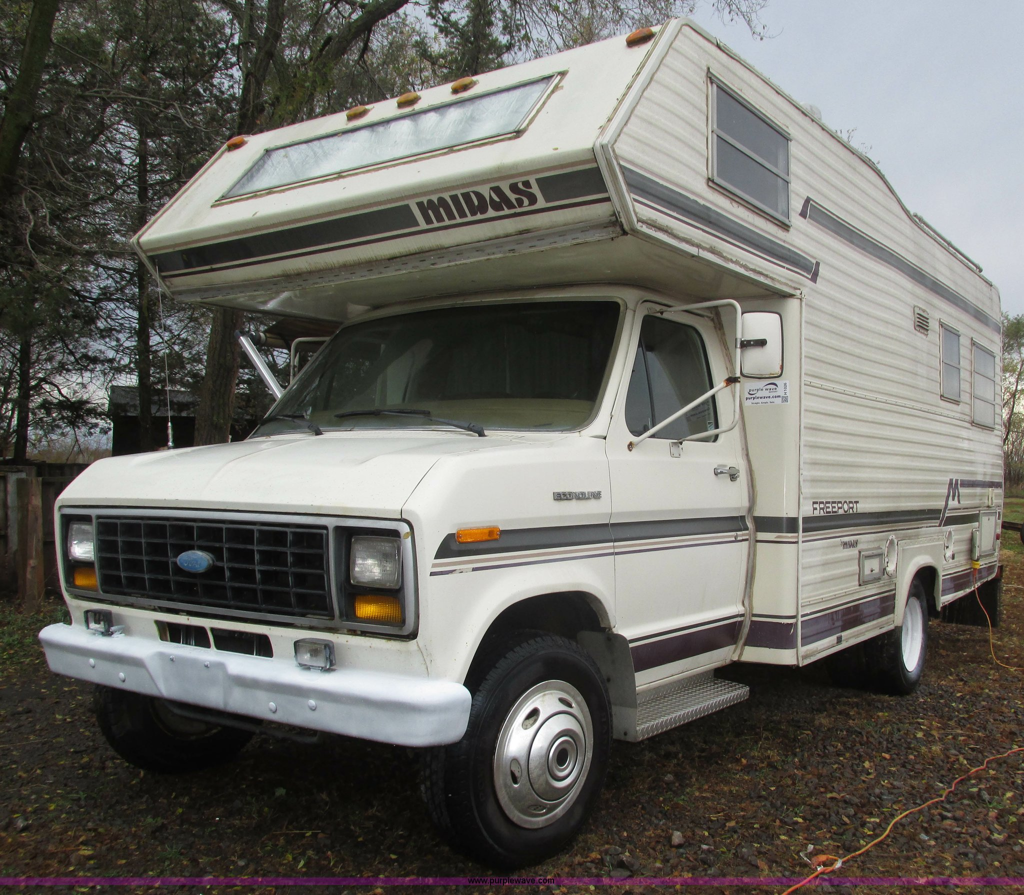 1983 Ford Econoline Coachmen FreePort motorhome | Item H1026