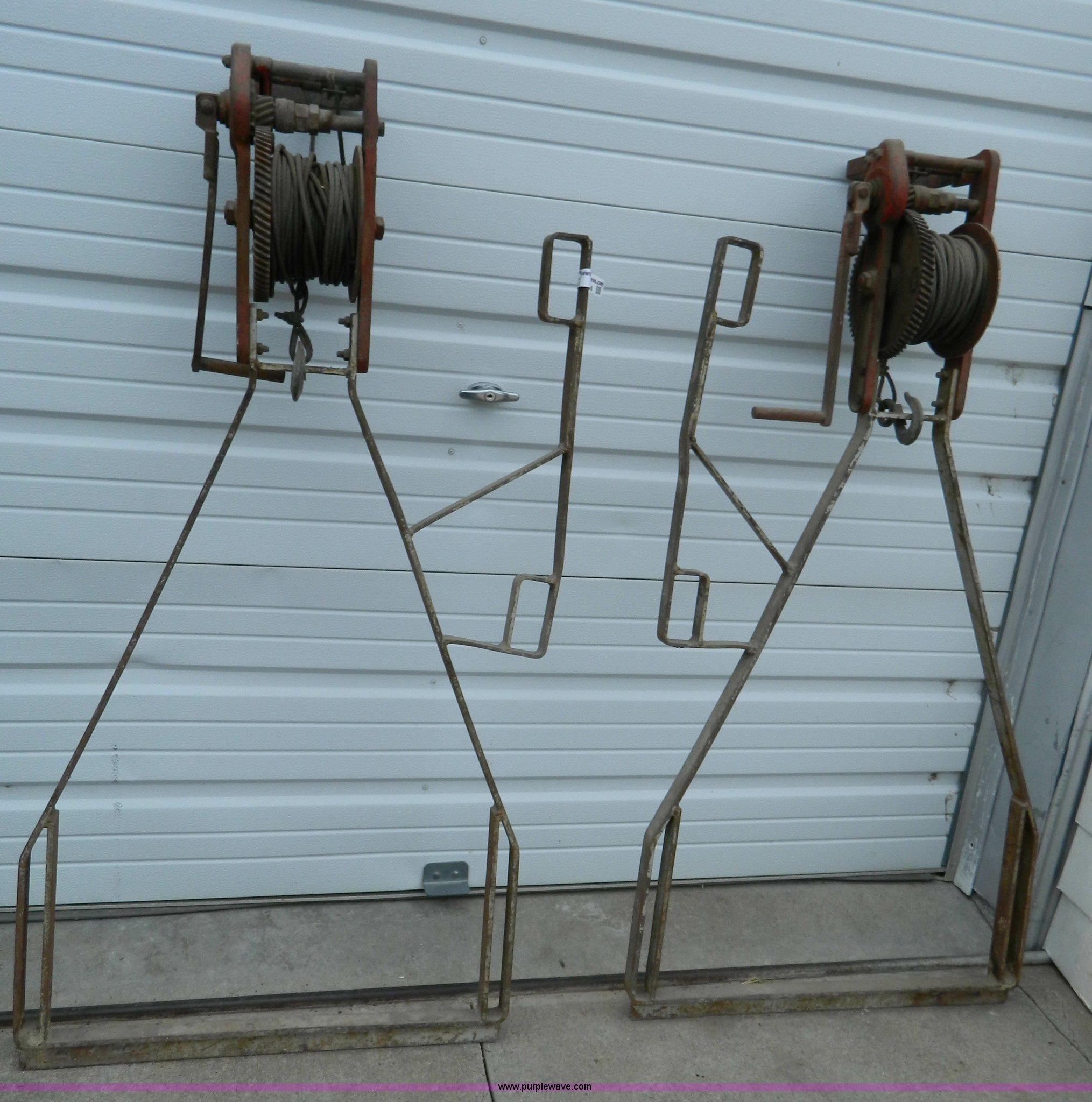 Swinging scaffold equipment words... super