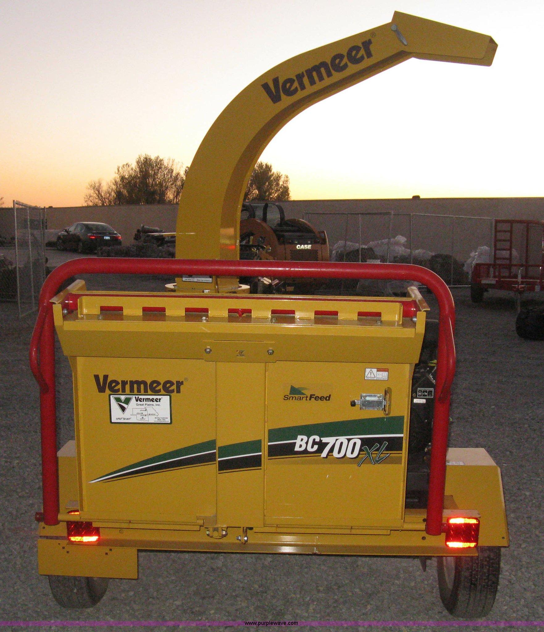 2014 Vermeer BC700XL chipper | Item L6448 | SOLD! December 3