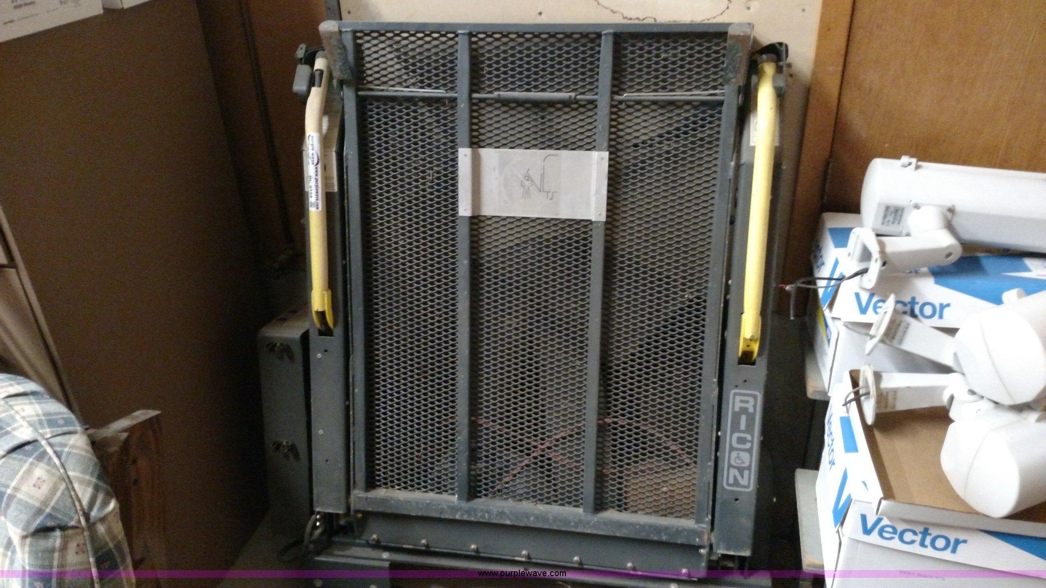 Ricon wheelchair lift Item BC9154