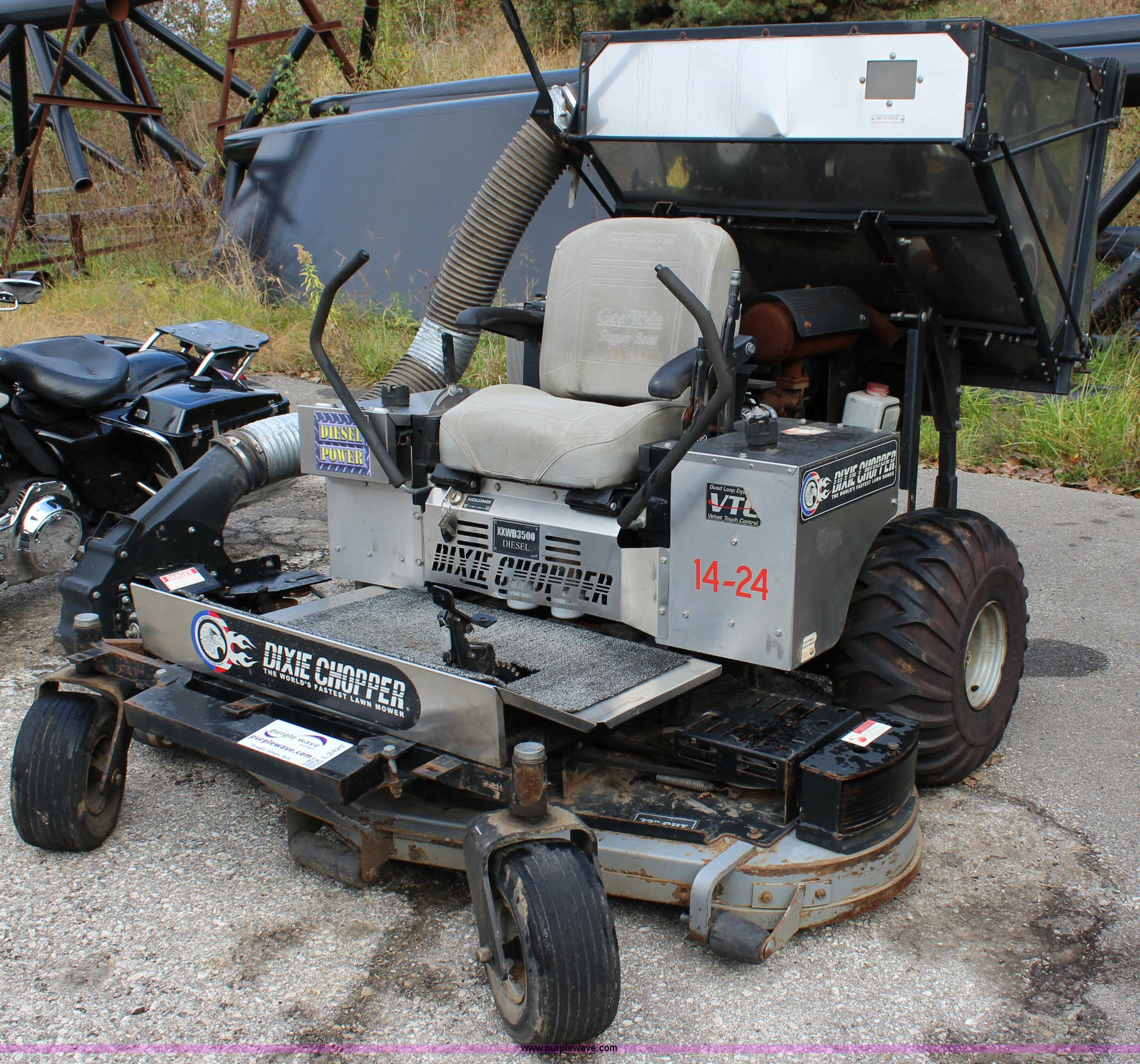 Dixie Chopper XXWD3500 ZTR lawn mower | Item L2420 | SOLD! D