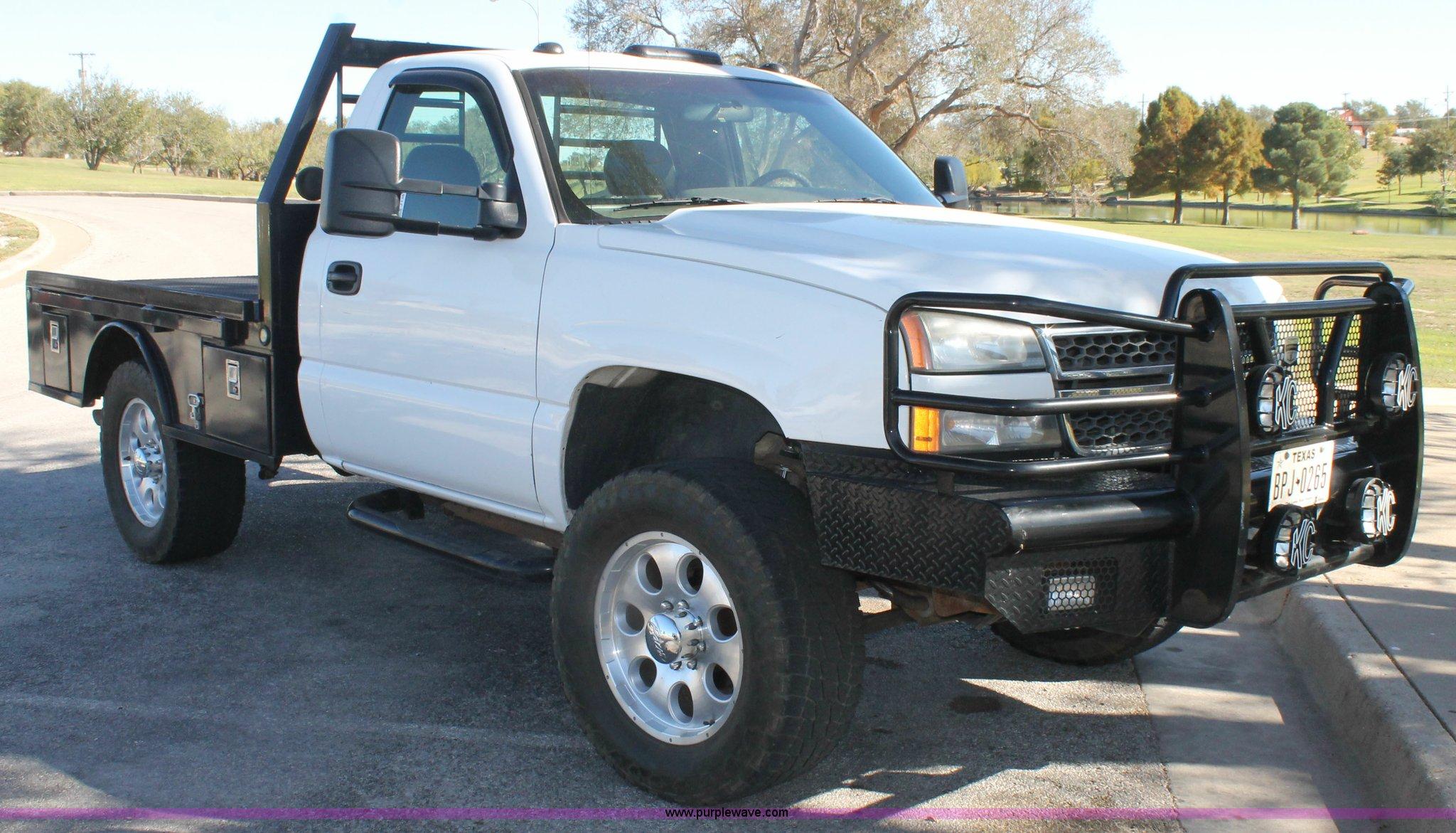 2005 Chevrolet Silverado 2500HD flatbed pickup truck