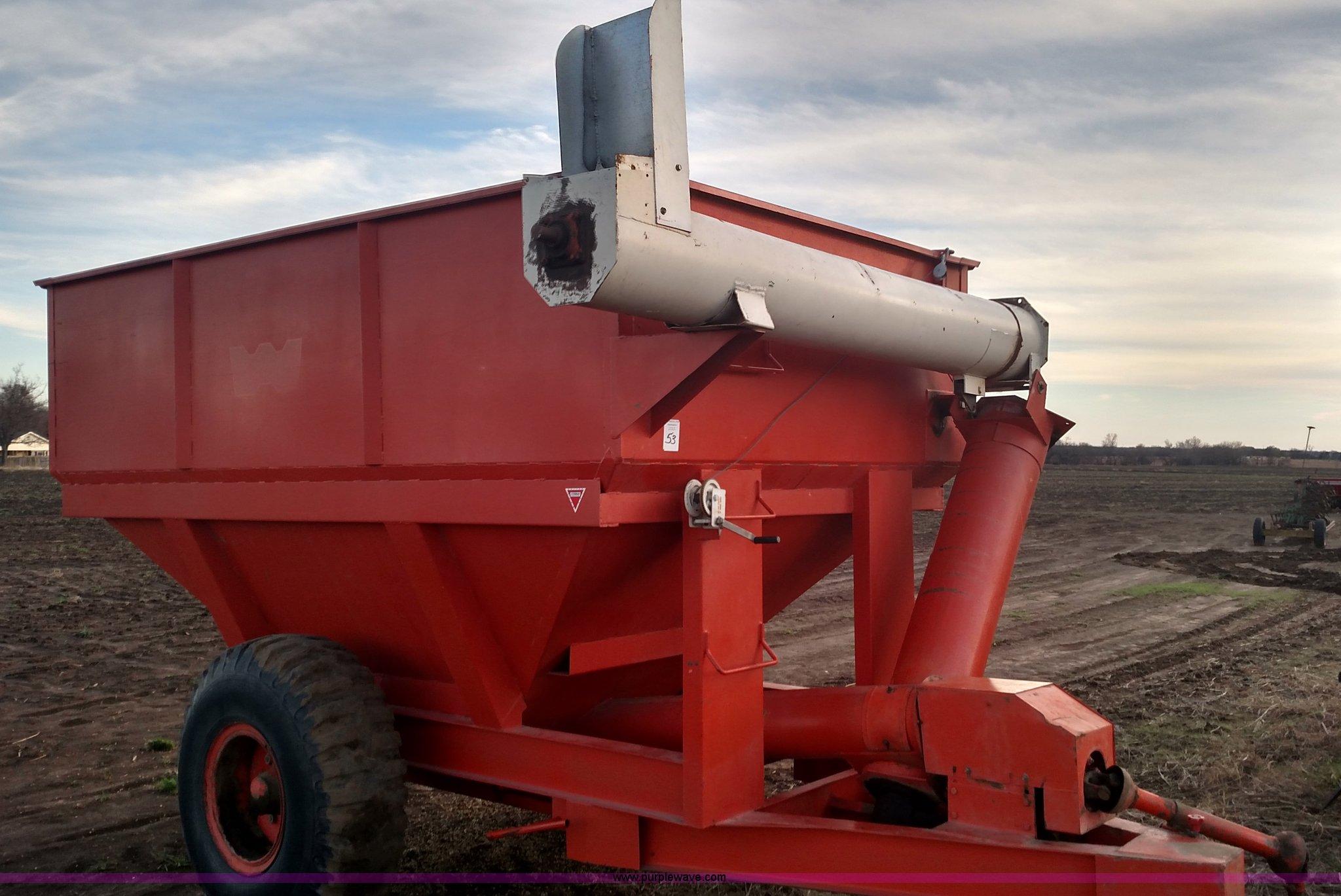 L6081 image for item L6081 United Farm Tools Steinman grain cart