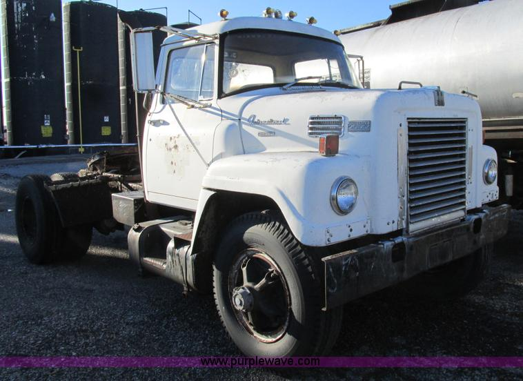 1968 Ford Truck >> 1968 International Fleetstar 2000 semi truck | Item K5215