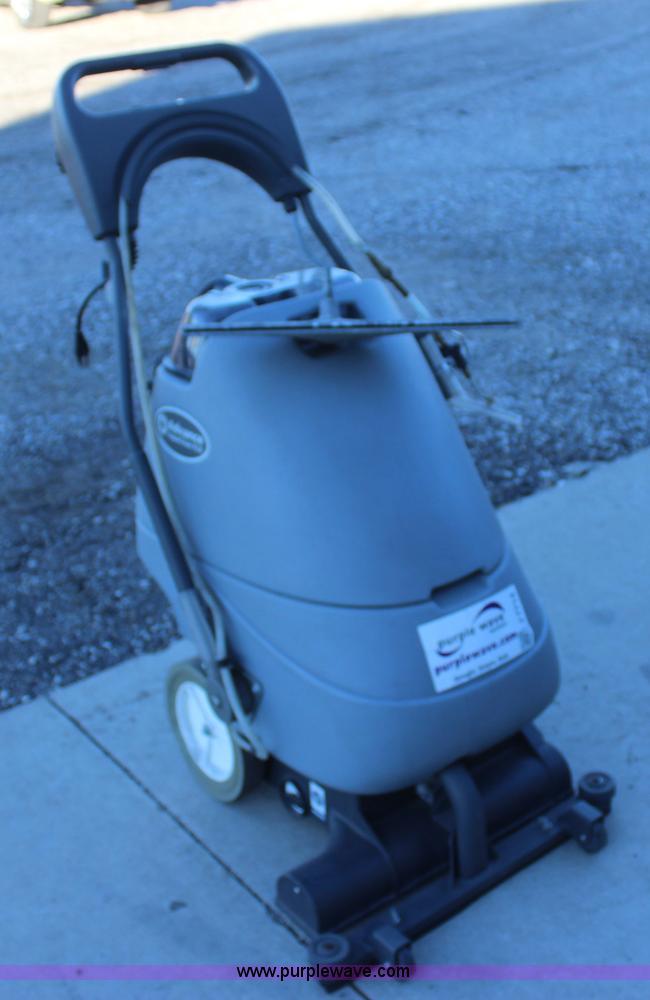 Nilfisk advance aquaclean 18flx carpet extractor item j771 - Advance carpet extractor ...