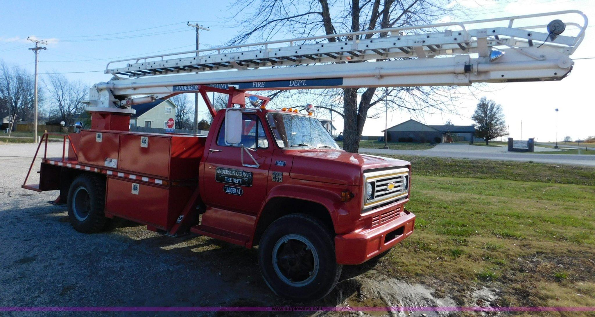 J7483 image for item j7483 1979 chevrolet c70 custom deluxe fire truck