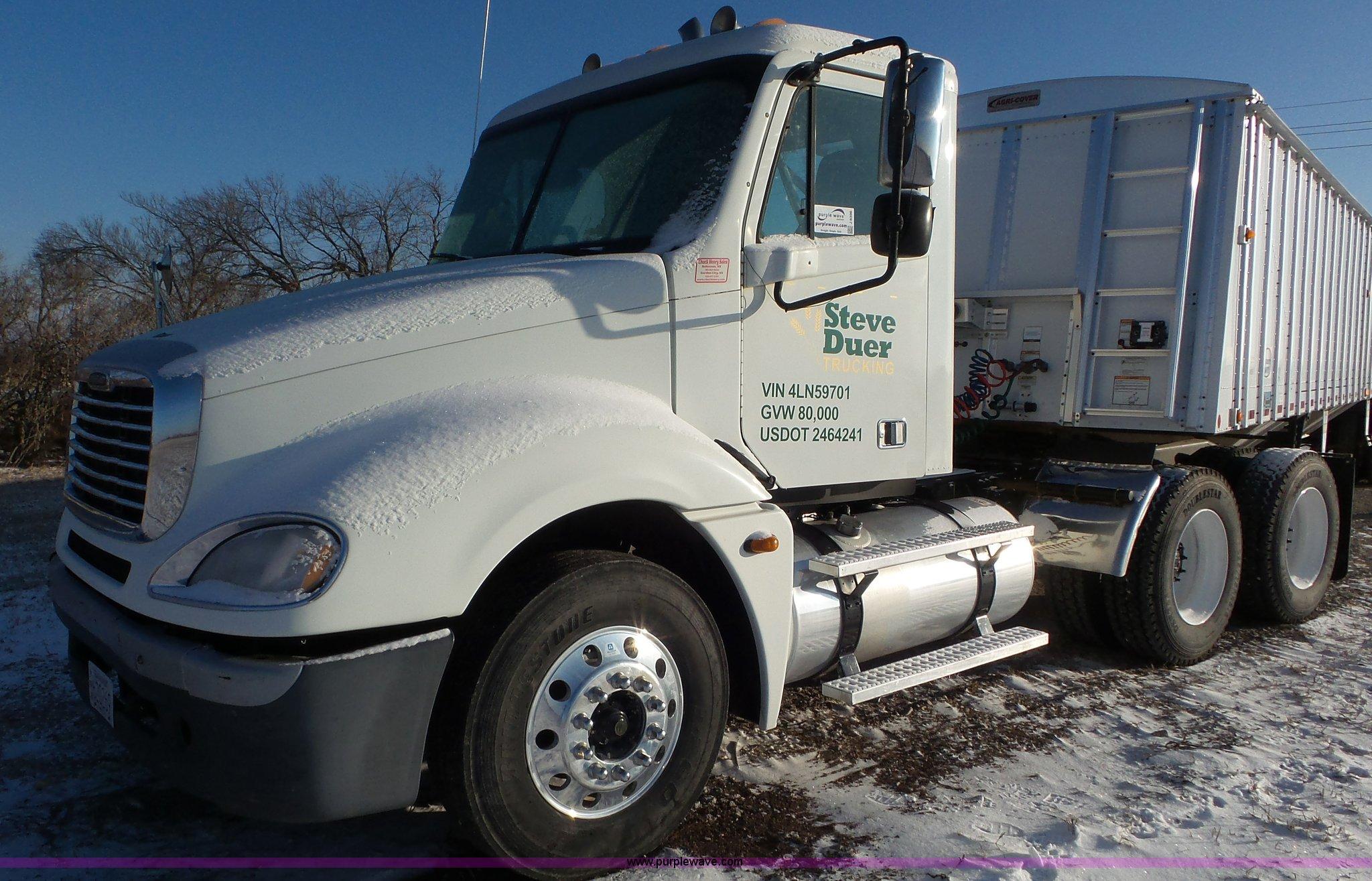 2004 Freightliner Columbia Semi Truck Item J8396 Sold J Fuel Filter For 04 14 0l Frieghtliner Full Size In New Window
