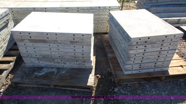 Aluminum W Panels : Wall ties and forms aluminum concrete form panels item