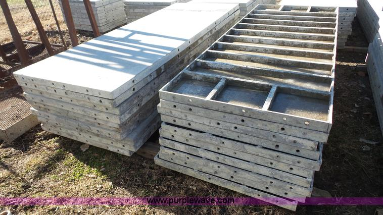 Wall ties and forms aluminum concrete form panels item for Concrete log forms