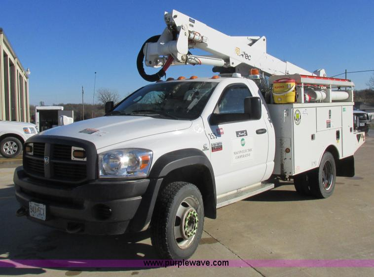 2009 dodge ram 5500 bucket truck no reserve auction on thursday january 28 2016. Black Bedroom Furniture Sets. Home Design Ideas