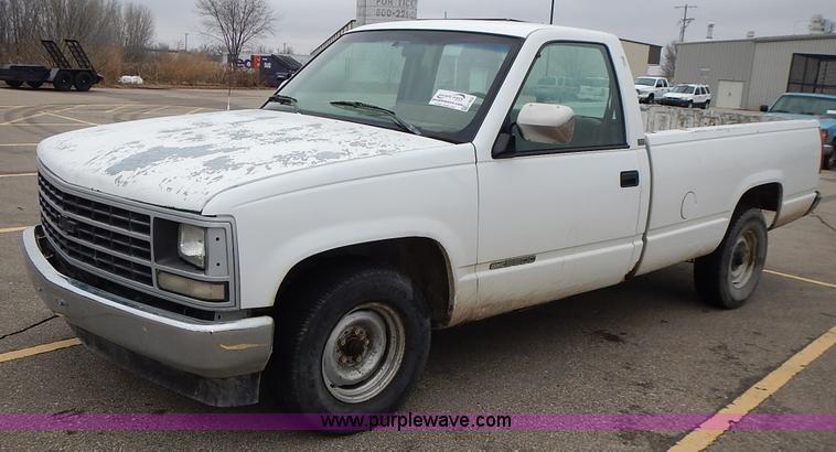 1989 Chevrolet Cheyenne 1500 pickup truck  Item L3622  SOL
