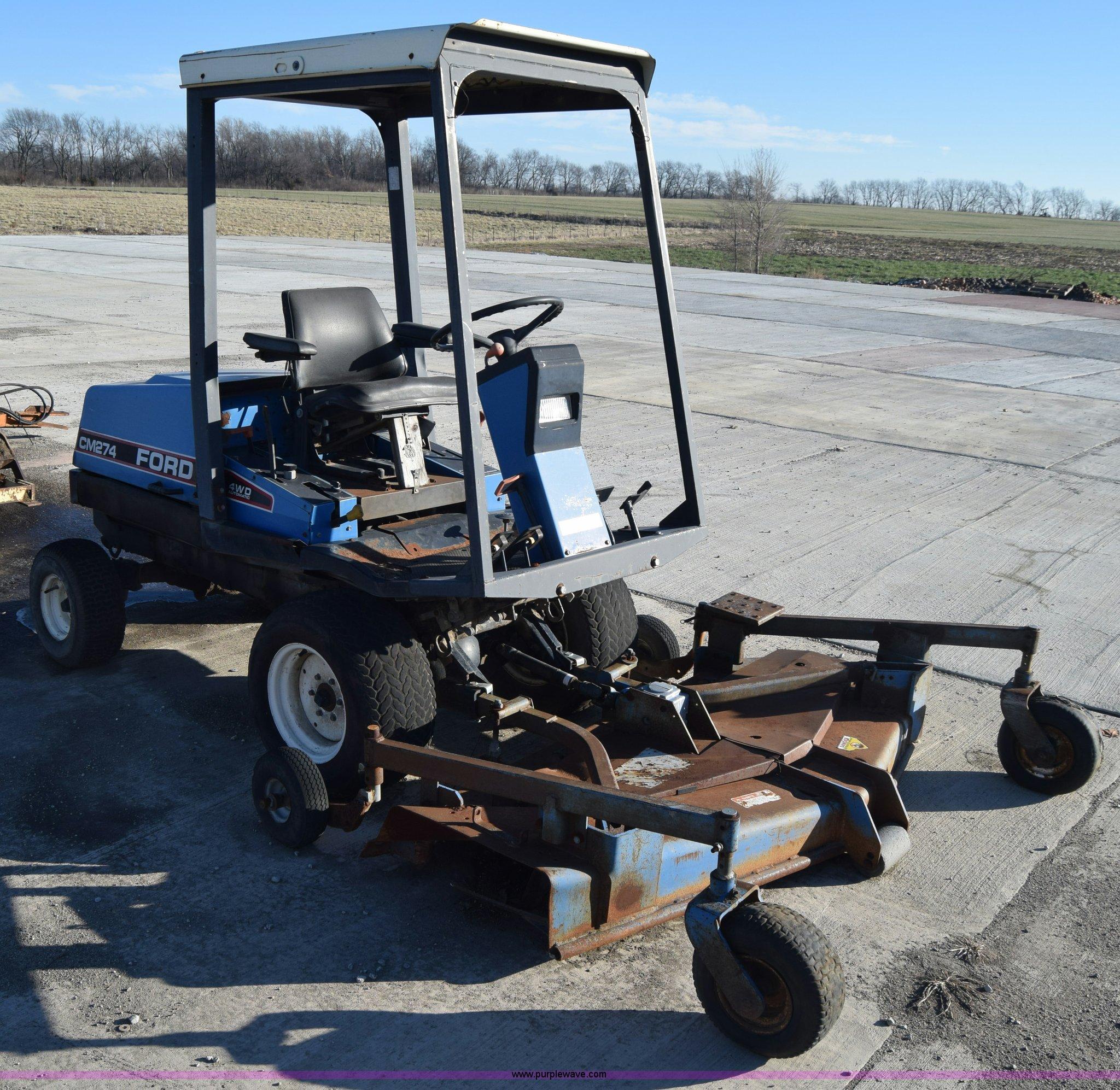 L1175 image for item L1175 Ford CM274 mower