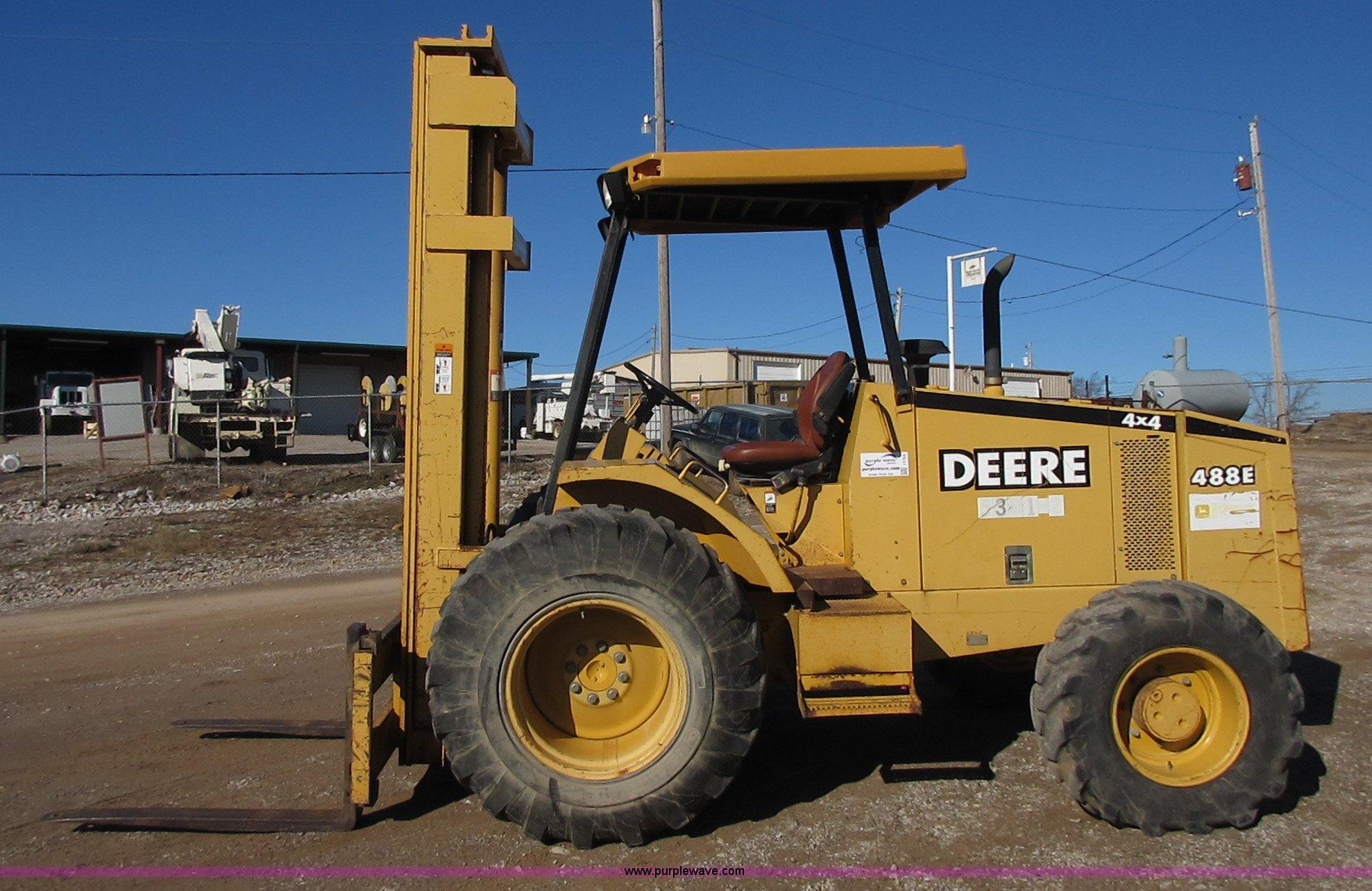 2001 John Deere 488E rough terrain forklift   Item I1755 ...