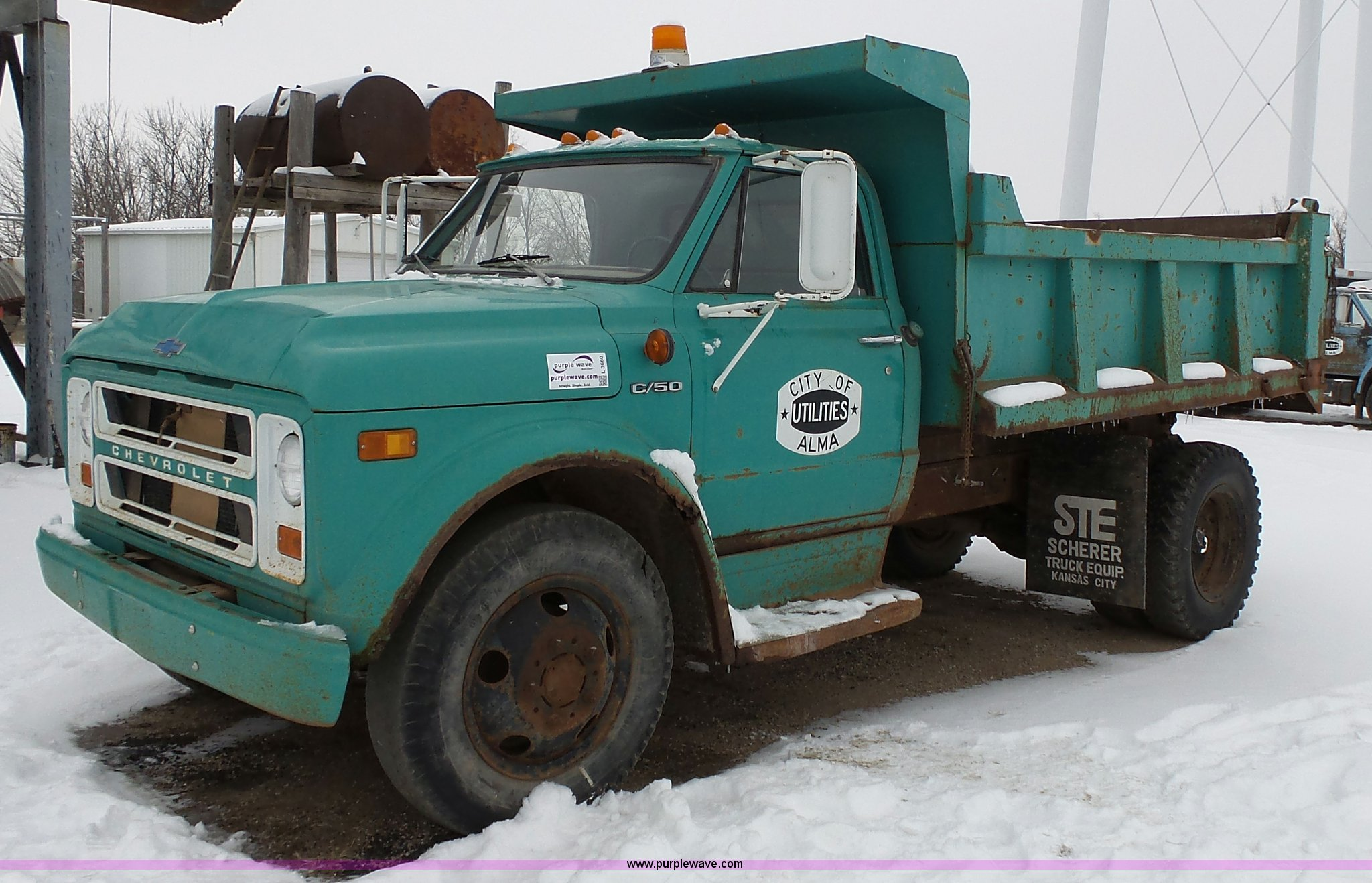 L3660 image for item L3660 1972 Chevrolet C50 dump truck