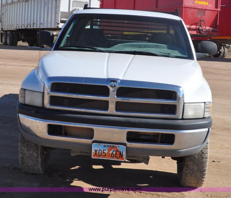 1999 Dodge Ram 2500 Quad Cab Flatbed Pickup Truck