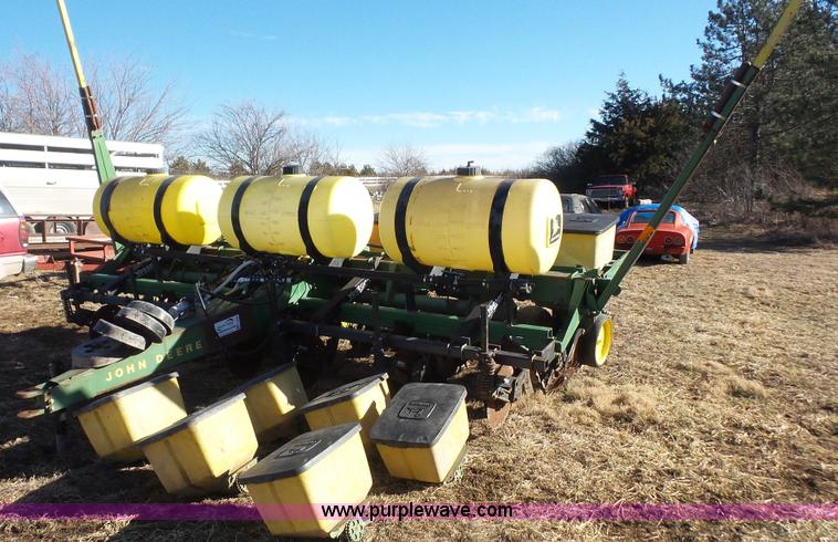 John Deere 7000 No Till Planter Item J4509 Sold Februar