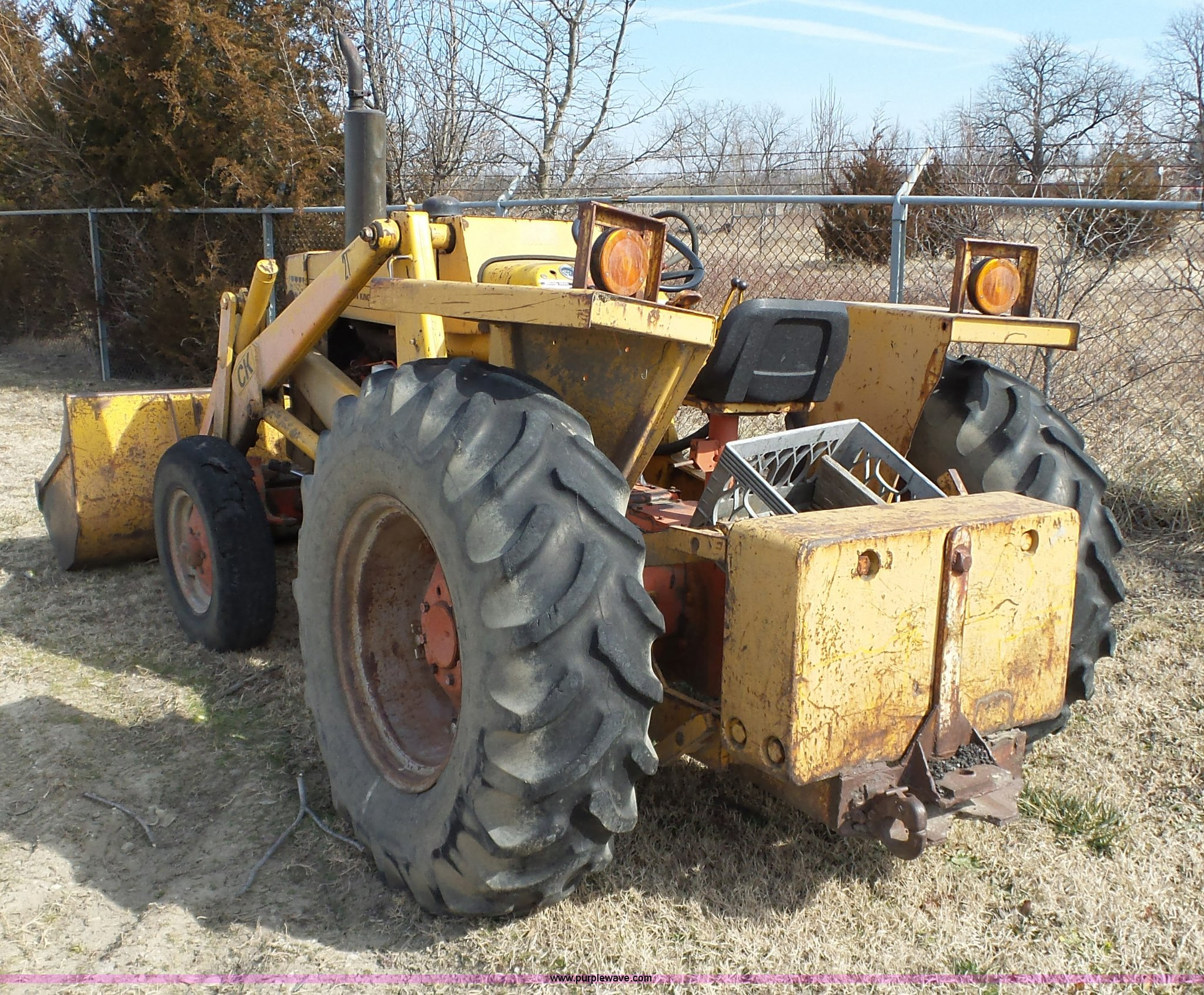 Case 480b Tractor In Caney  Ks