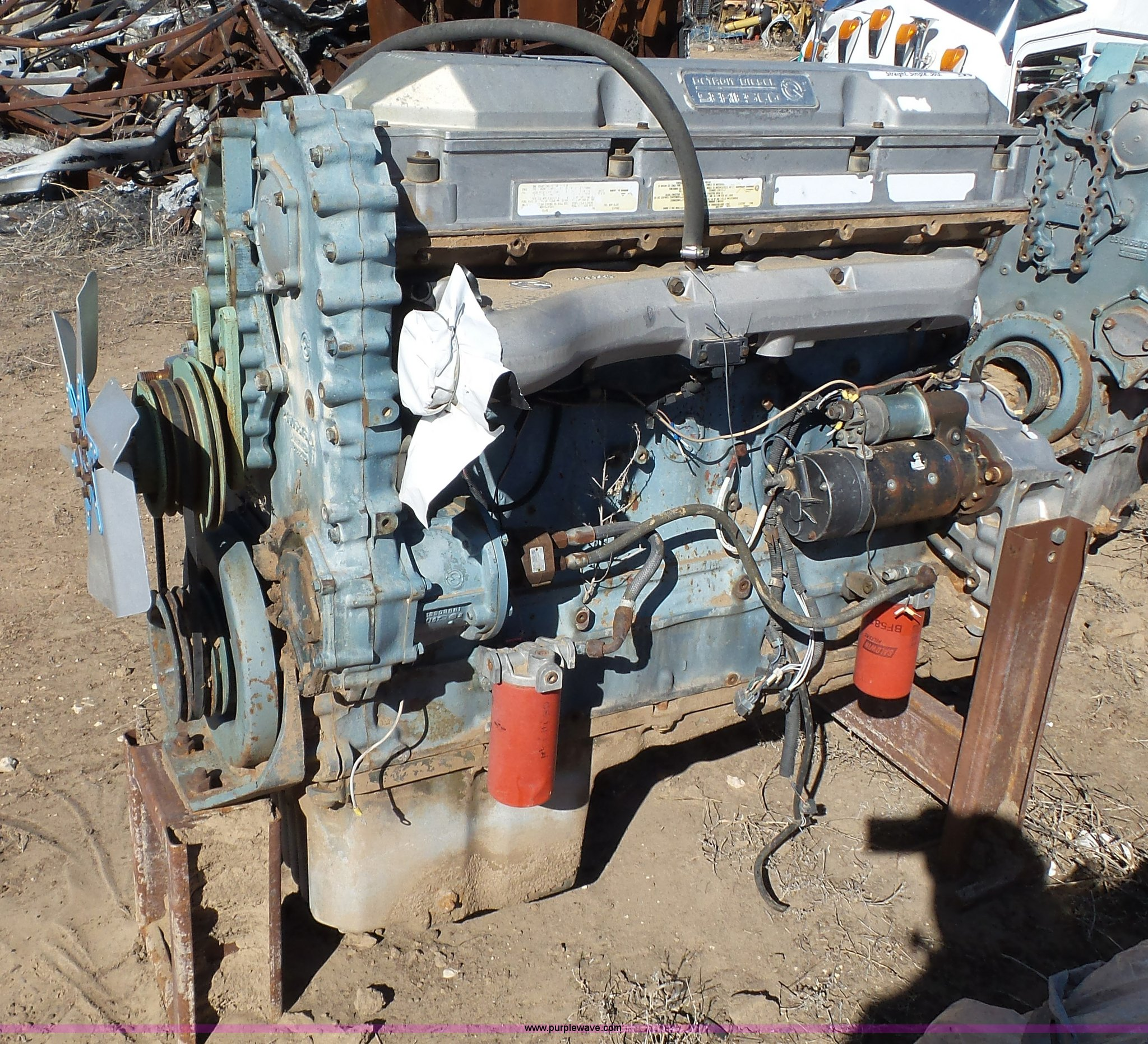 1992 Detroit Diesel Series 60 11 1L L6 turbo diesel engine |