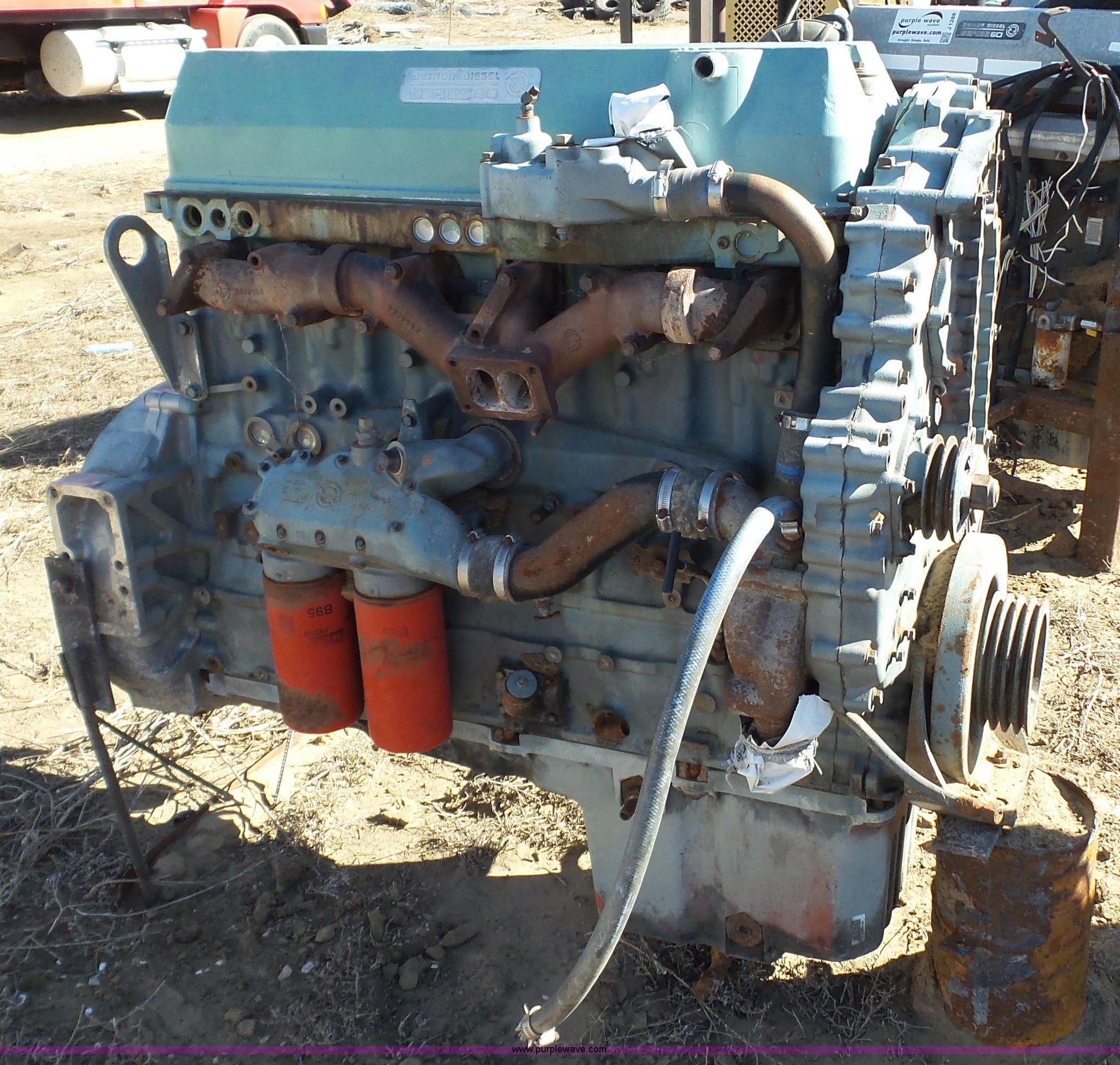 1990 Detroit Diesel Series 60 11 1L L6 turbo diesel engine |